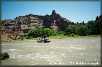 Rafters enjoy the occasional rapids in Desolation Canyon