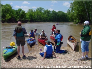 DDRC group on semi-annual Illinois River outting